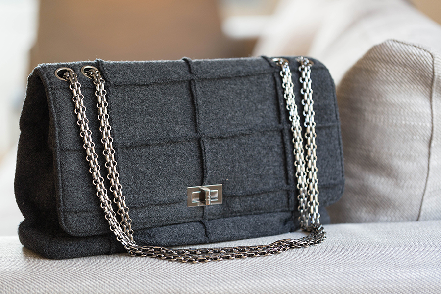sac Chanel tissu gris