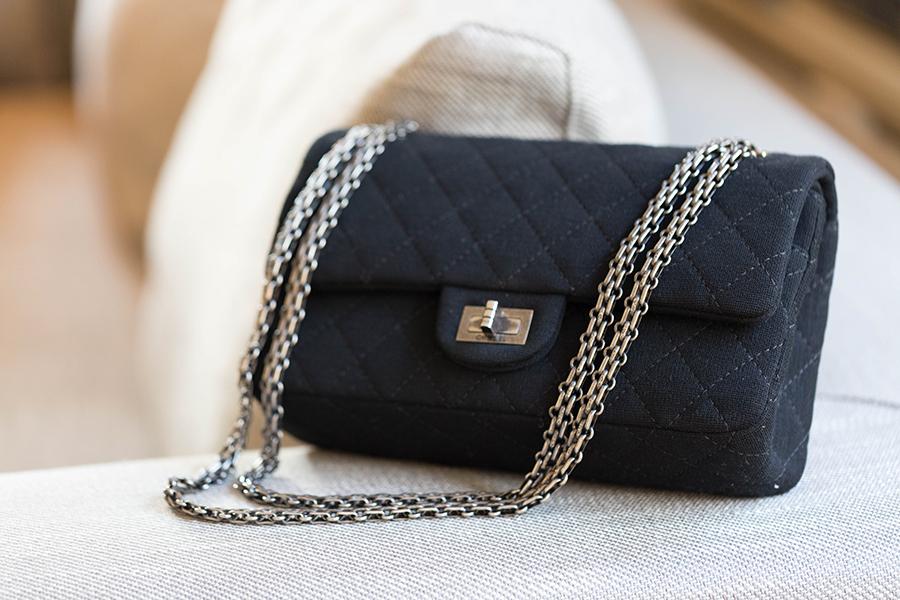 sac Chanel tissu noir