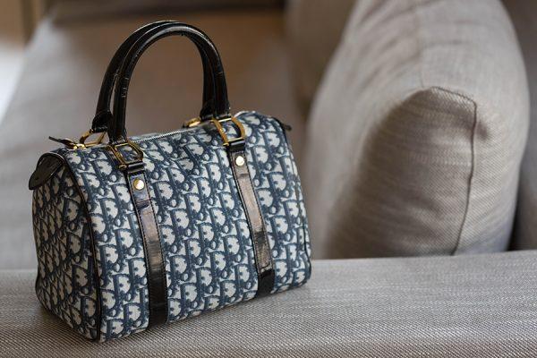 5e64558b358 Sac Dior en toile enduite · Location de sacs de luxe